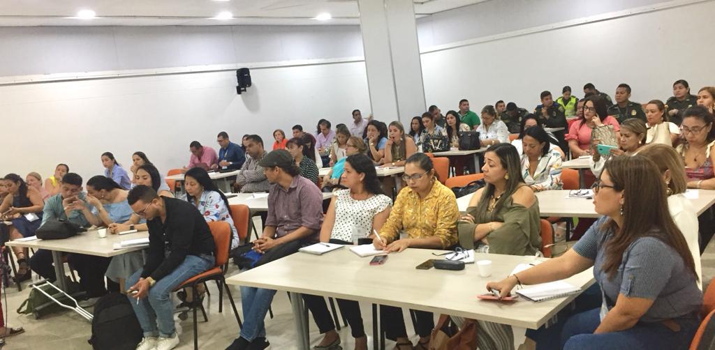 Servidores públicos que atienden temas de género se capacitaron con expertas internacionales