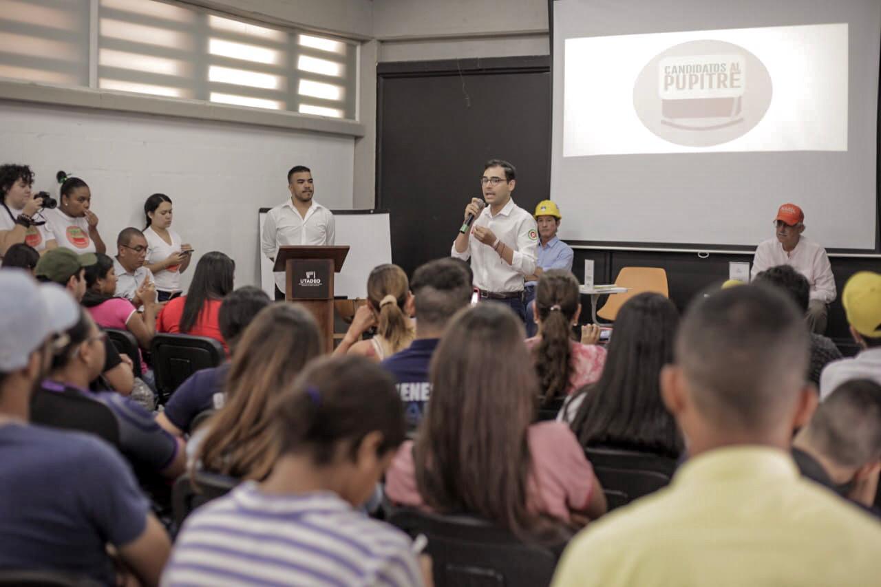 Sergio Londoño propone modernizar las instituciones educativas oficiales