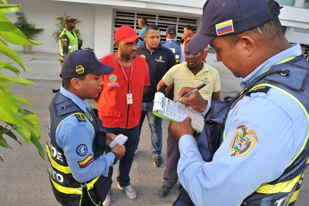 Nuevos controles para evitar parrilleros en zonas prohibidas de Cartagena