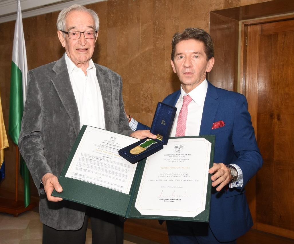 Hotel Poblado Plaza recibió el Escudo de Antioquia, en Categoría Oro