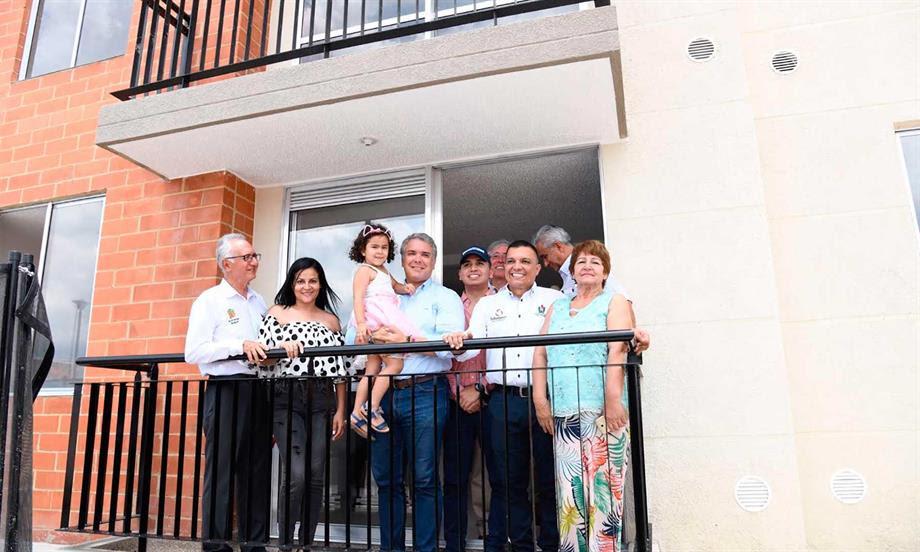 Presidente Duque oficializó, en Ibagué, el beneficiario número 42.000 del programa de vivienda del Gobierno 'Mi Casa Ya'