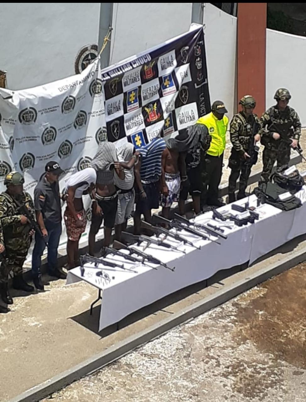 Capturan 6 sujetos e incautan abundante material de guerra en el Chocó