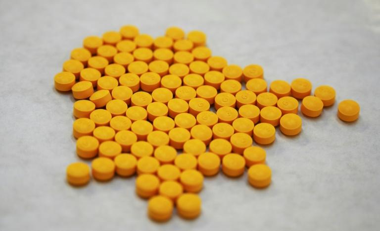 Farmacéuticas alcanzan acuerdo antes de juicio por crisis de opioides en EEUU