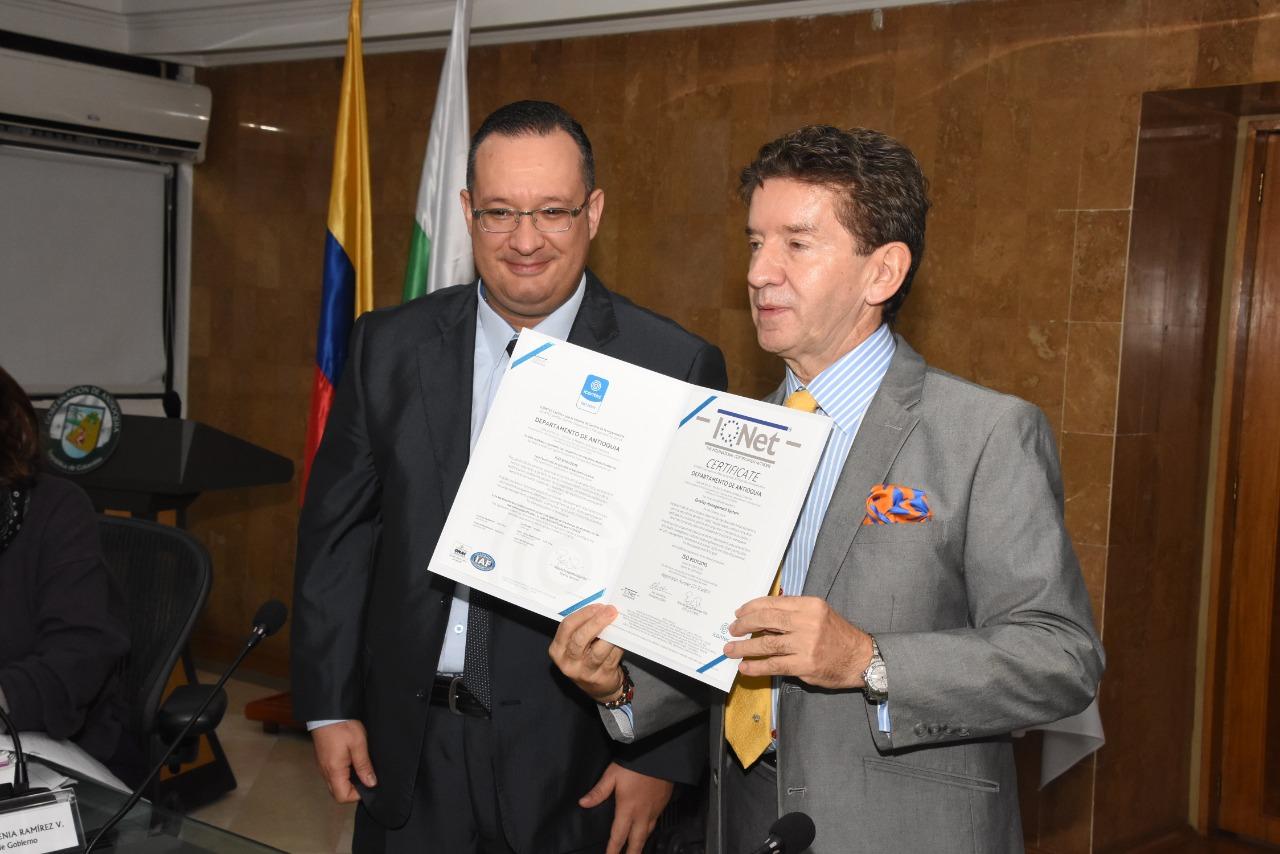 Gobernación de Antioquia recibió certificado de calidad en la norma ISO 9001 versión 2015