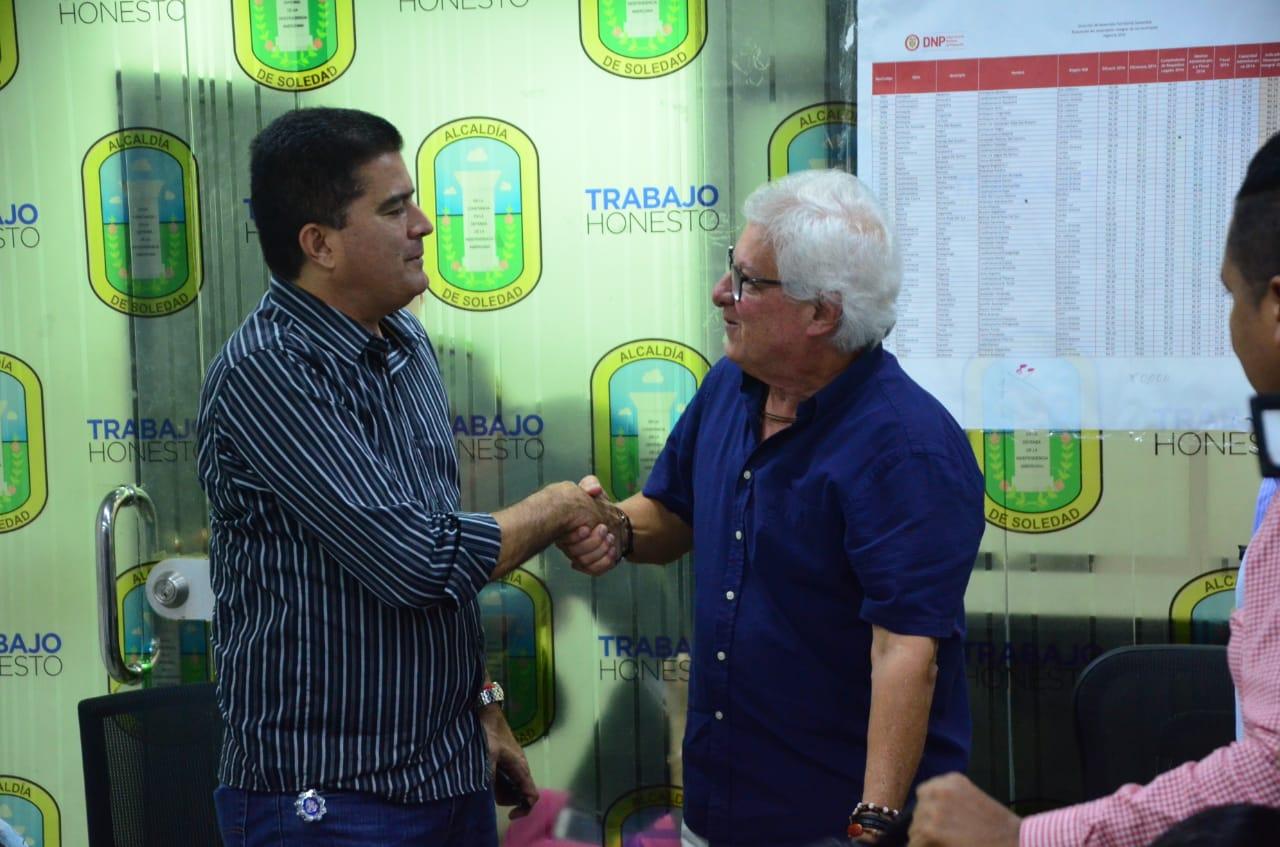 En Soledad, Atlántico iniciaron empalme Joao Herrera y Rodolfo Ucrós