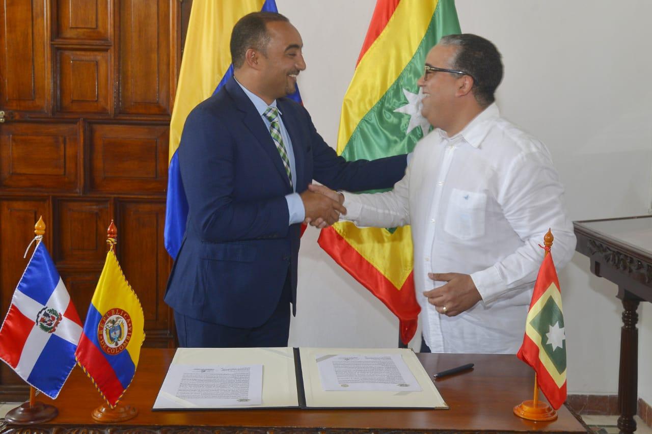 Gobiernos de Cartagena y Ayuntamiento de Verón Punta Cana firman convenio de cooperación para fortalecimiento turístico