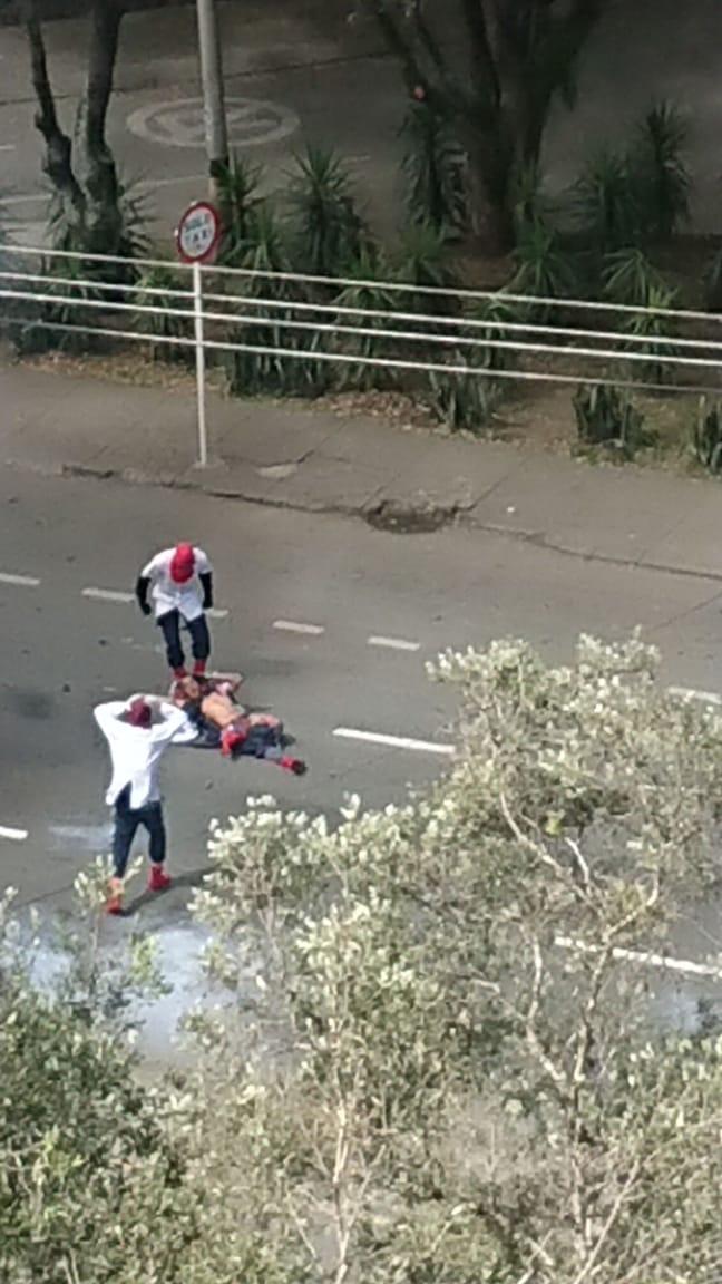Una 'papa bomba' se estalló en manos de un joven encapuchado en Antioquia