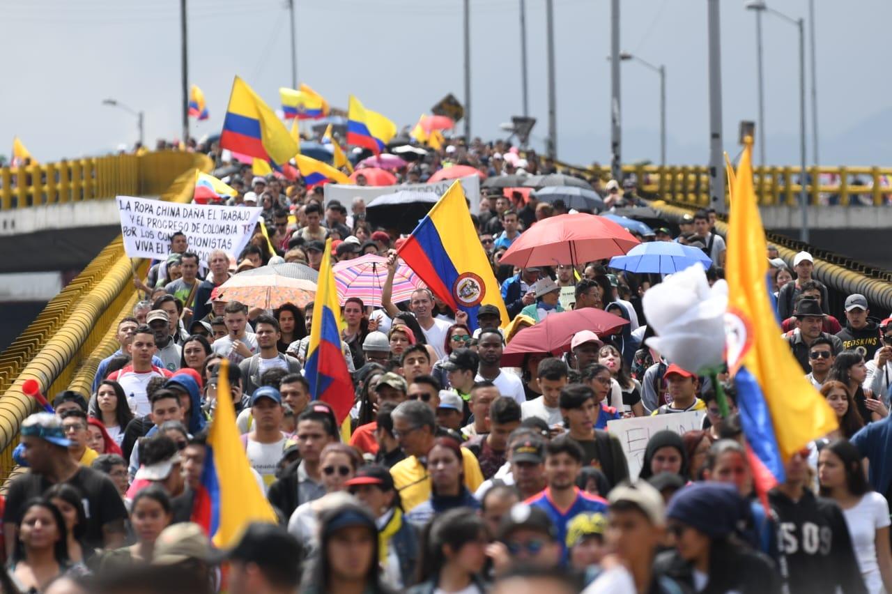 Protesta-colombia-estudiantes-lavibrante