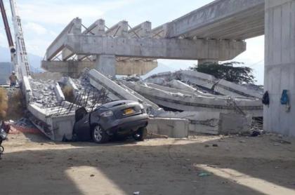 Dos personas fallecen tras desplome de puente de Ciénaga, Magdalena