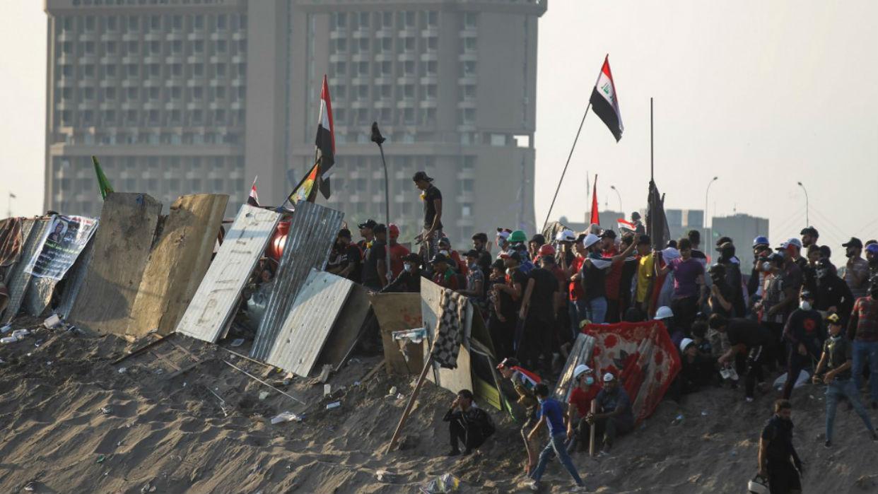 Dentro de la embajada de Estados Unidos en Bagdad impactó un cohete