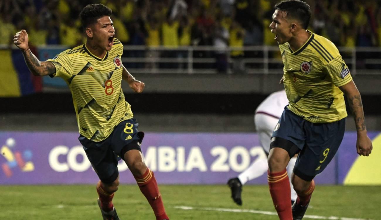 Colombia venció 2-1 a Venezuela y está a un paso del cuadrangular final