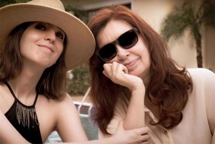 Cristina Kirchner publica la primera foto con su hija en Cuba