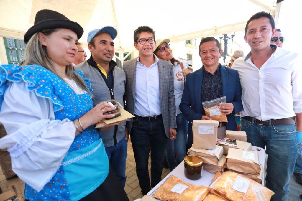 Gobernador invitó a los colombianos a consumir panela