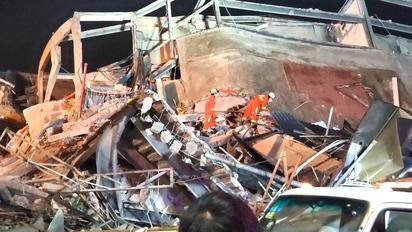 Se derrumba hotel en cuarentena dejando 70 personas bajo los escombros