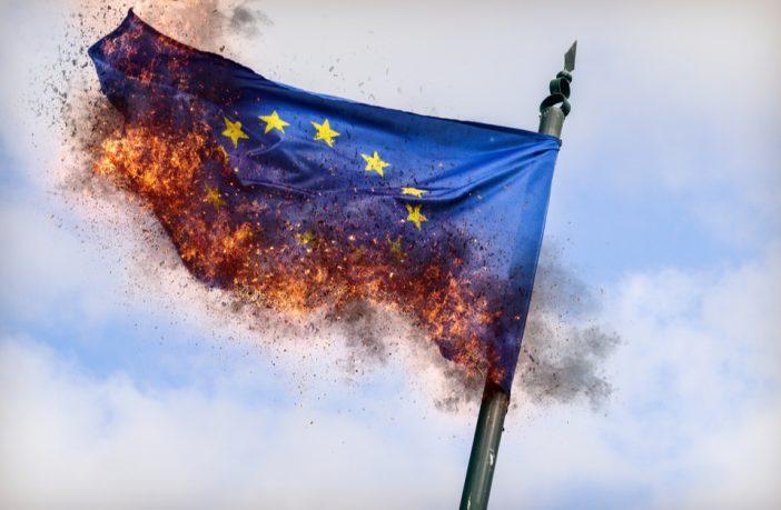 Alemania penará con cárcel la quema de cualquier bandera nacional