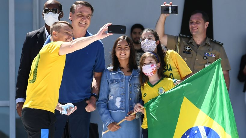 Brasil superó los 100.000 contagiados y Bolsonaro insiste en quitar cuarentena