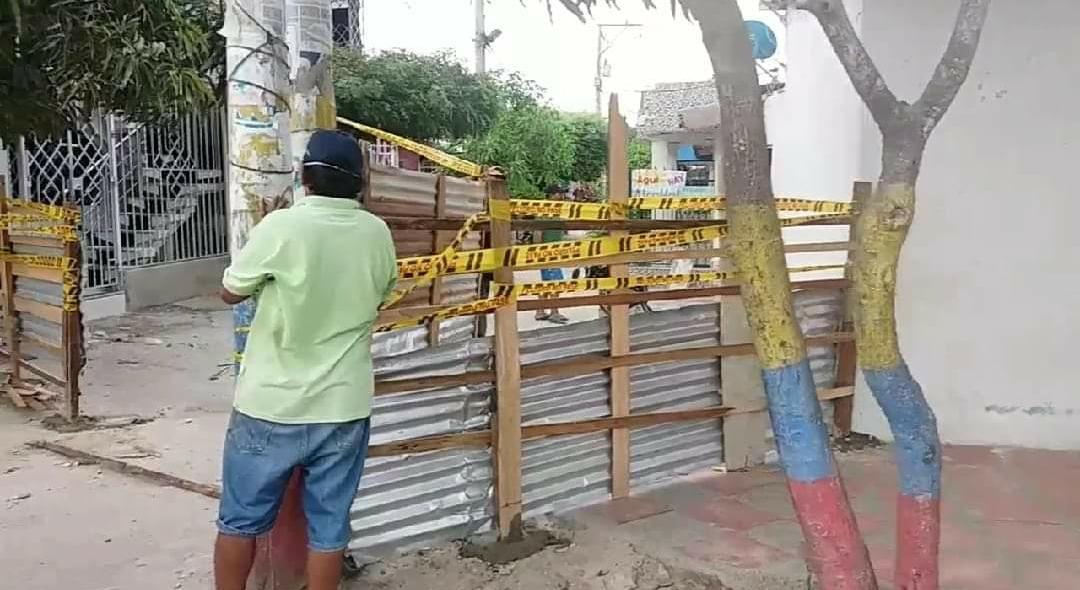Vecindad levantó unos muros para evitar contagios de COVID-19 en #Soledad, Atlántico