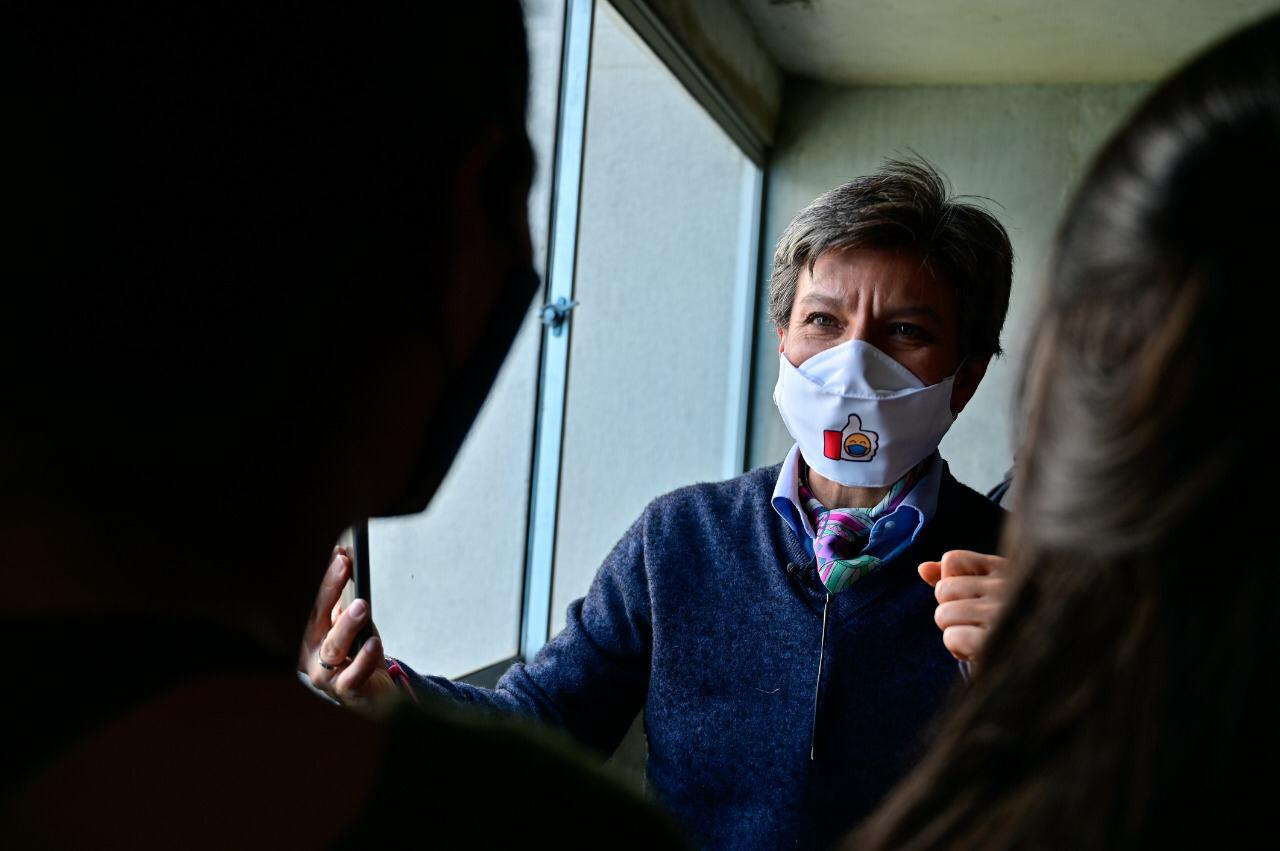 297 familias que vivían en alto riesgo cumplen su sueño de tener vivienda propia y segura en Bogotá