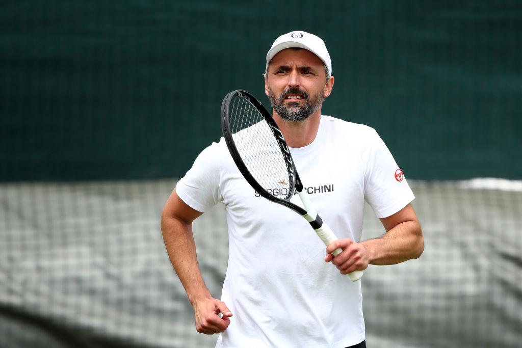 Continúan los casos positivos por coronavirus tras el torneo de Djokovic