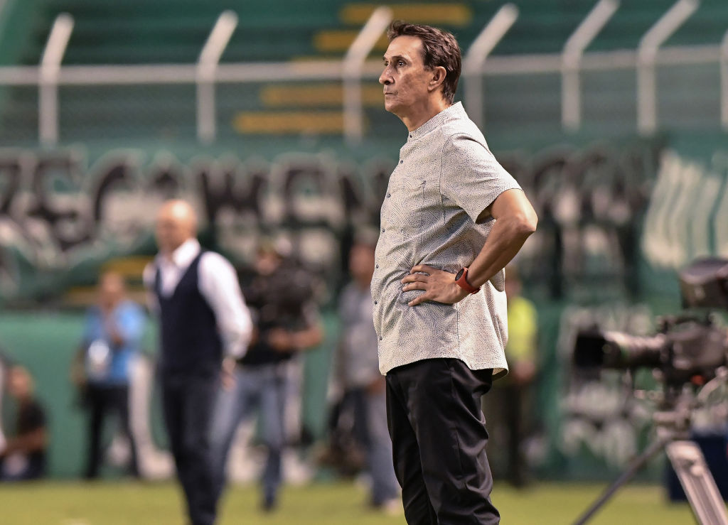 Alexandre Guimaraes no continuará como entrenador de América