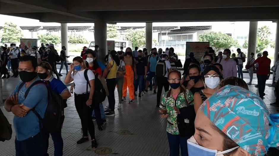 Se repiten aglomeraciones en el portal de Soledad de @TransmetroBAQ