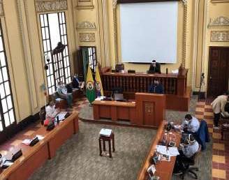 La @GoberCaldas informa que  pasó primer debate en la asamblea Departamentalla autorización de un crédito de 130 mil millones de pesos para el Departamento de Caldas