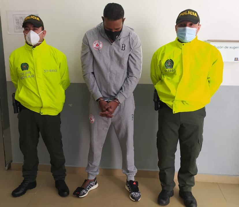 """Policía metropolitana captura a """"el gordo 40"""" cabecilla de la banda los 40 negritos"""