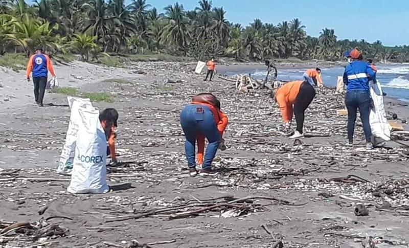 60 toneladas de basura son retiradas del río Motagua en Guatemala