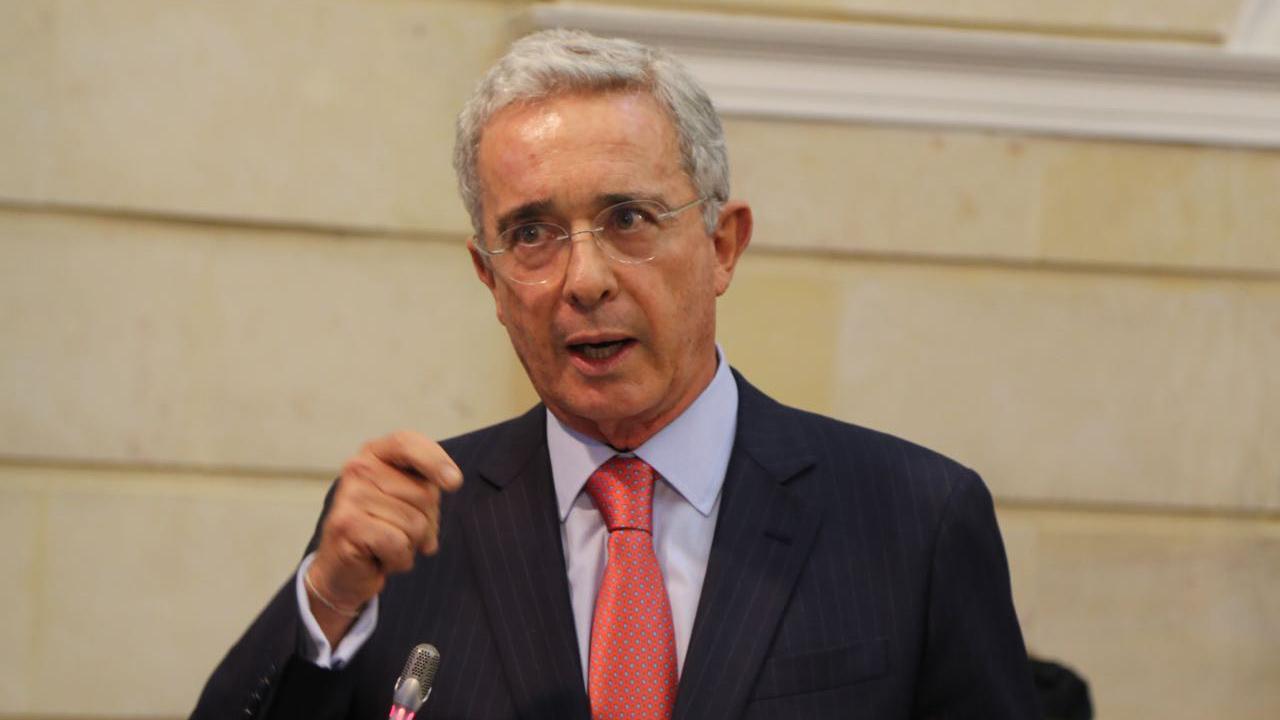 Proceso de @AlvaroUribeVel pasará a la Fiscalía, y no va más con la Corte