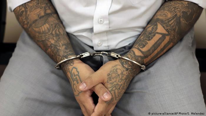 Guatemala moviliza a mil policías para trasladar 42 pandilleros presos
