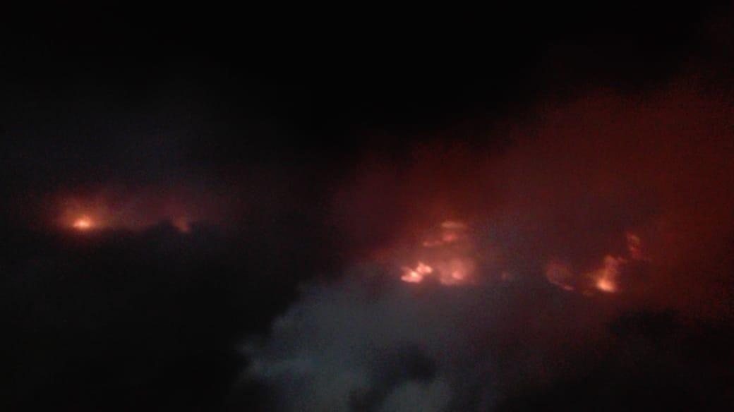 #ÚltimaHora. A esta hora se presentan incendios en el Parque Nacional Natural los Nevados del Ruiz.