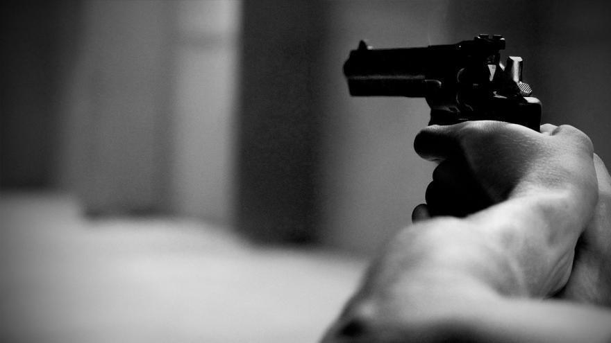 Capturan a oficial de policía sindicado de asesinato del joven Santiago Murillo