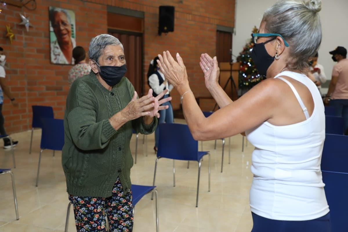 Con Familias Cuidadoras, la Alcaldía de Medellín pone en marcha un nuevo modelo de atención gerontológica integral en la ciudad @AlcaldiadeMed