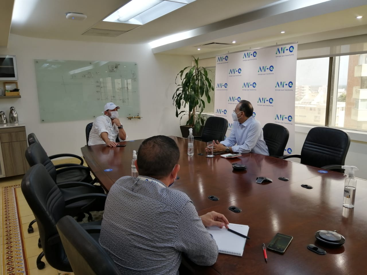 Jornada de trabajo de Air-e con miembros de la Asociación de Ingenieros Aciem