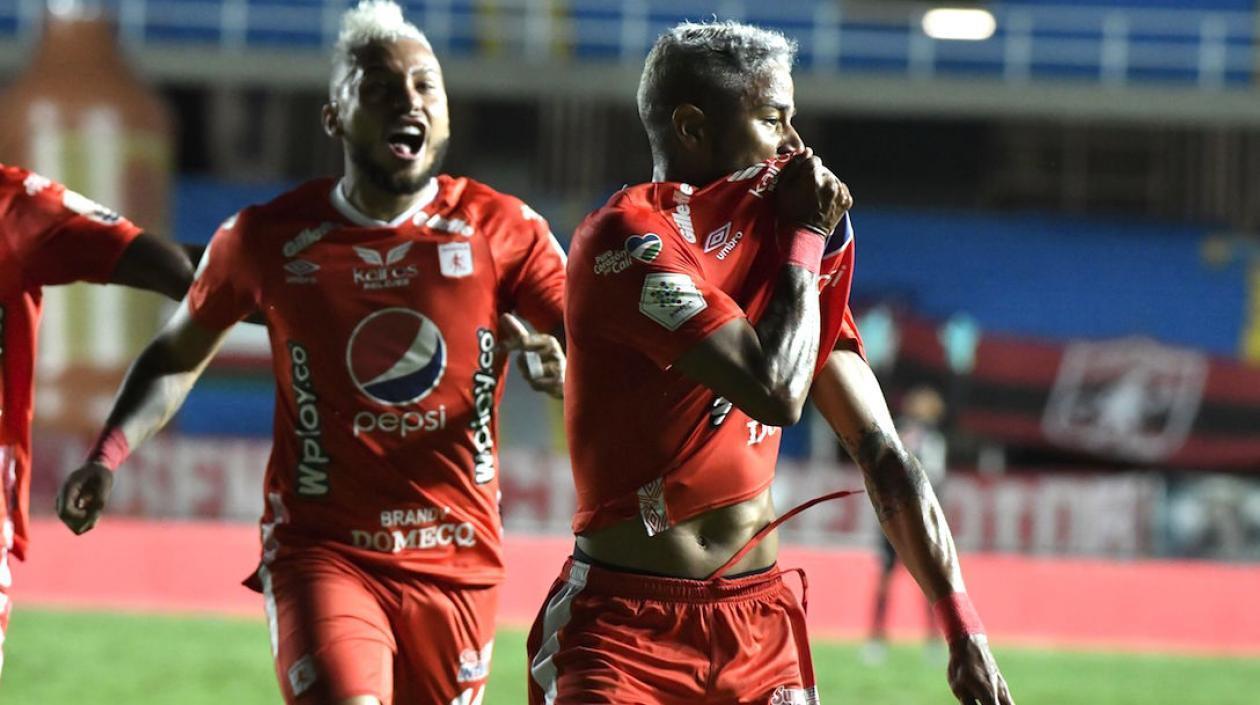 América goleó 3-0 a Santa Fe en la primera final de la Liga Betplay