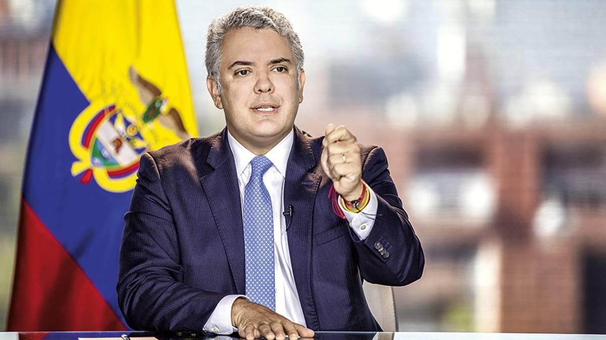"""Tras muerte de Lucas Villa, Presidente Duque pide """"todo el peso de la ley"""" para los responsables"""