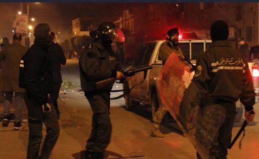 Tercera noche de disturbios en Túnez por crisis económica y sanitaria