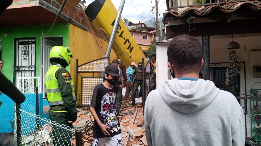 Avioneta cayó en medio de dos casas en Copacabana, Antioquia