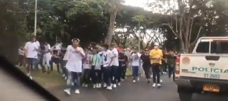 Disturbios tras evento masivo que convocaron influencers de redes sociales en Cali dejaron 3 heridos
