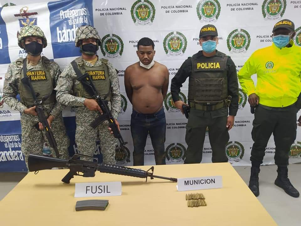 Capturado un hombre de nacionalidad venezolana, con un fusil y municiones en Buenaventura