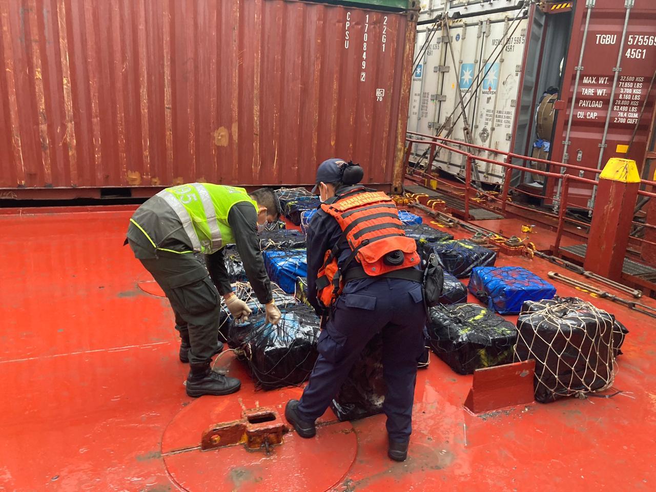 Hallan en buque que llegaba a Cartagena 1.539 kilos de cocaína y 5 de anfetaminas