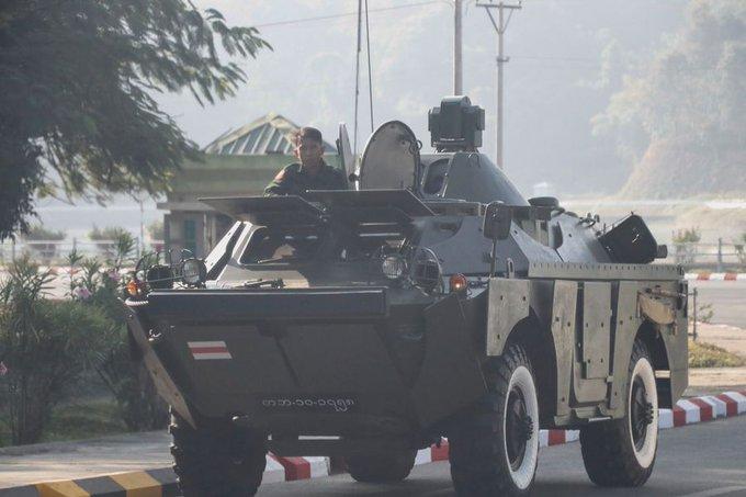Armamento y Helicópteros vigilan en la frontera Colombiana