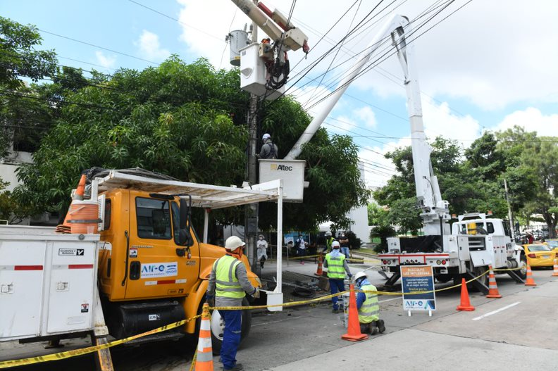 Nuevas redes y postes fueron instaladas en el barrio Alto Prado- @aire_energia