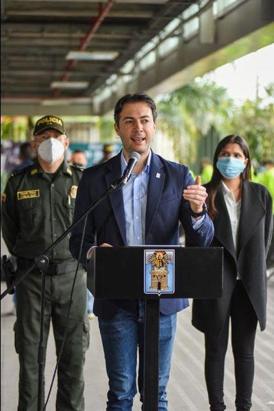 Alcaldía de Medellín eleva los montos de las recompensas por responsables de homicidios y feminicidios en la ciudad