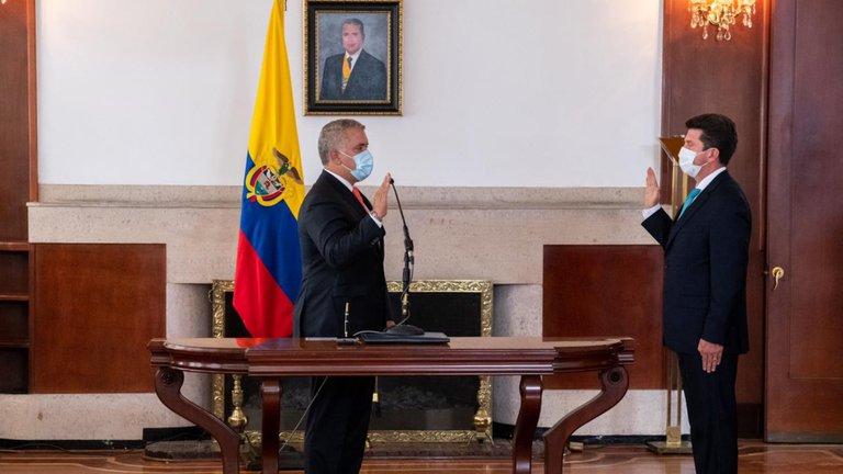 Diego Molano se posesionó este sábado como Ministro de Defensa