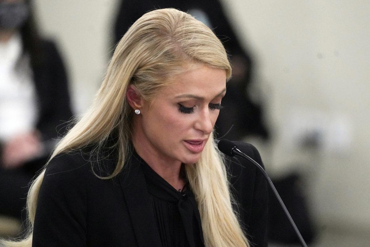 Paris Hilton ofrece testimonio de los abusos que sufrió hace años en internado
