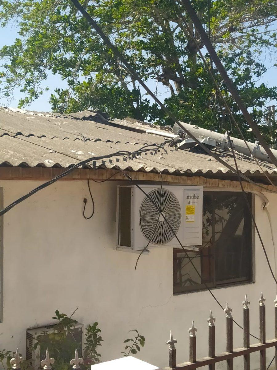 Air-e repara poste de energía dañado en la urbanización La Playa – @Aire_Energia