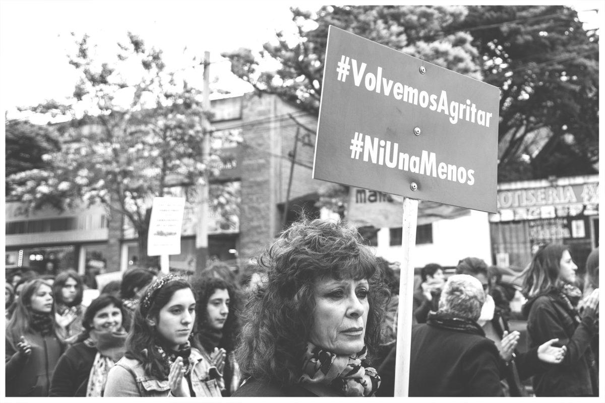 Mujer en Bogotá para evitar ser abusada sexualmente se lanzó de un segundo piso