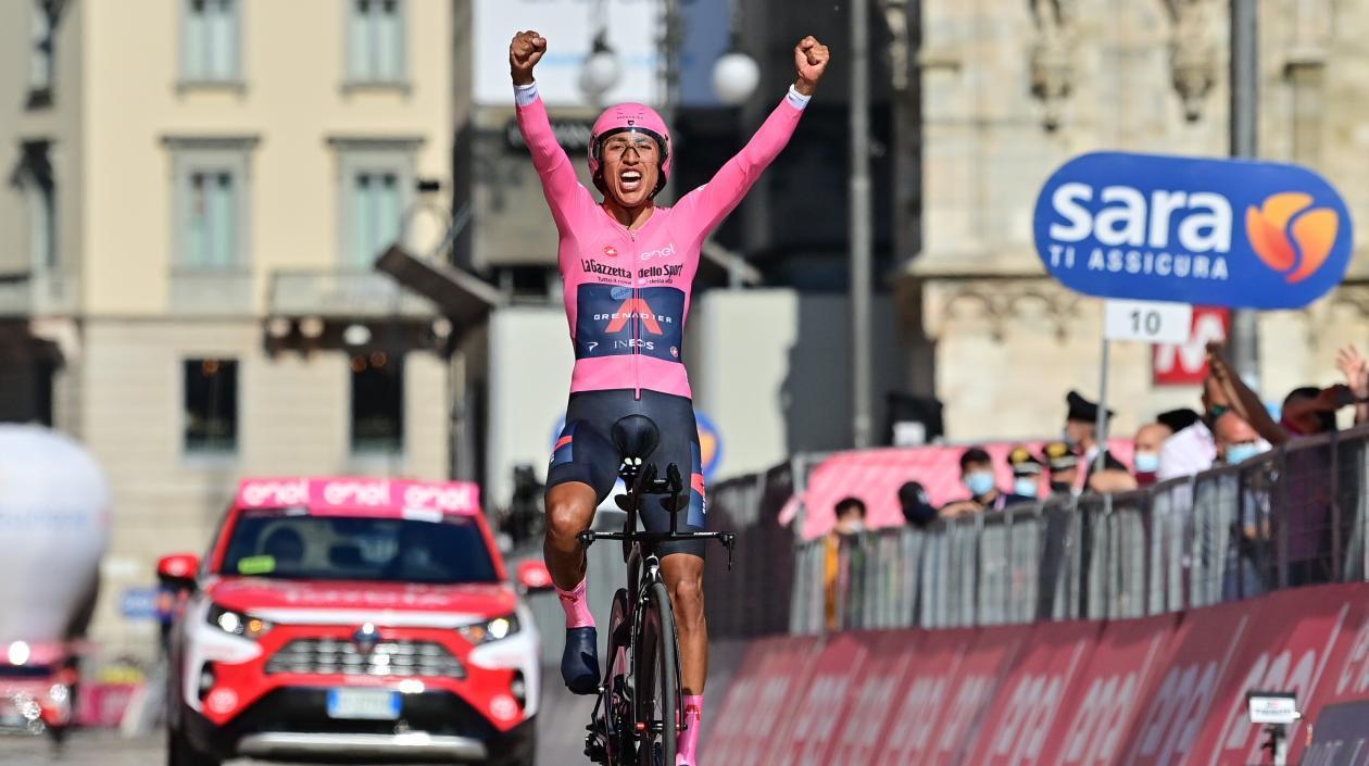 Orgullo Colombiano!! Egan Bernal campeón del Giro de Italia 2021