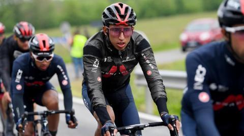 Egan Bernal empieza a mostrar favoritismo en el Giro de Italia: El líder es De Marchi